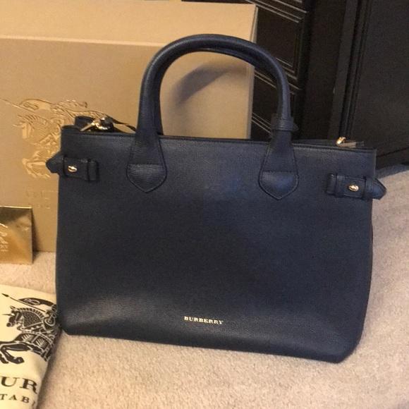 b8f030f467b7 Burberry Handbags - Burberry House Check Medium Navy Blue Banner Bag